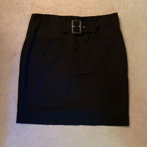 Black basic pencil skirt with built-in belt detail